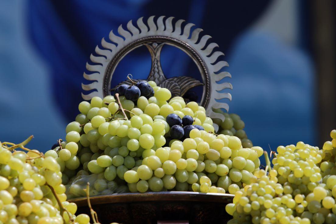 Картинки по запросу Освящение винограда в этом году в Армении будет совершено 18 августа